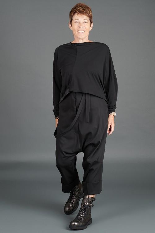 Rundholz T-shirt RH195003 ,Rundholz Trousers RH195002 ,Lurdes Bergada Leather Boots LB195182