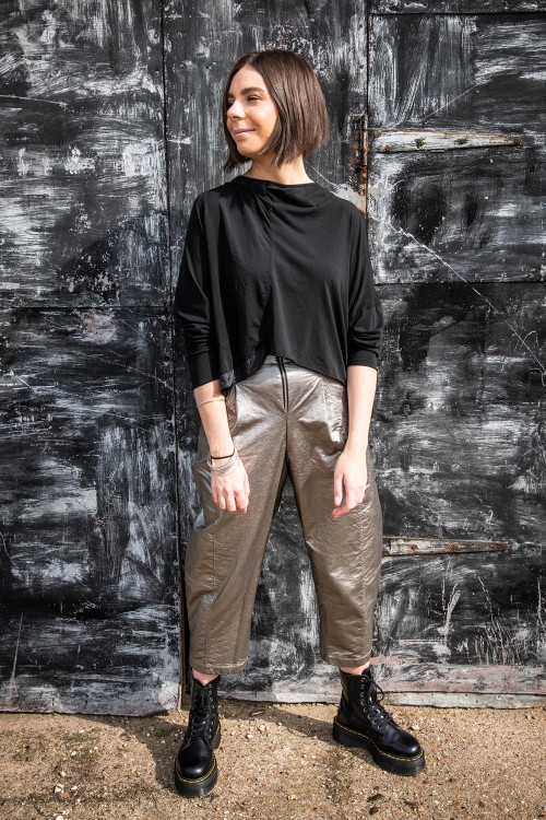 Rundholz T-shirt RH195003, Lurdes Bergada Metalic Coated Trousers LB195188