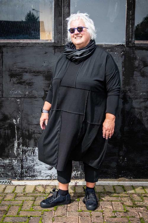 Rundholz Black Label Dress RH195083 ,Rundholz Black Label Shoes RH195160 ,Rundholz Black Label Best Evers With Back Pockets  RH100012 ,Lurdes Bergada Snood Neck Warmer LB195187