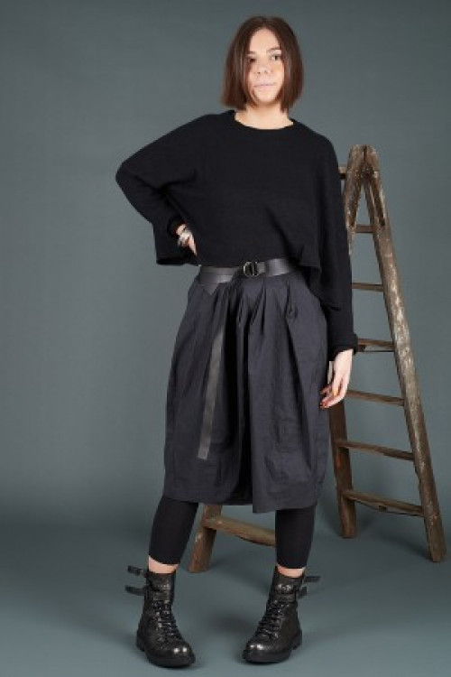 Rundholz Cashmere Pullover RH195007, Rundholz Black Label Dress RH195117, Rundholz Leather Belt RH195014, Lurdes Bergada Leather Boots LB195182