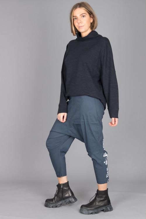 By Basics Knit Top BB105062 ,Rundholz Black Label Trousers RH210147 ,Lofina Crackled Black Boots LF210024