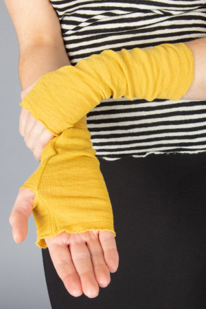 bb100041 - By Basics Wrist Warmers @ Walkers.Style buy women's clothes online or at our Norwich shop.