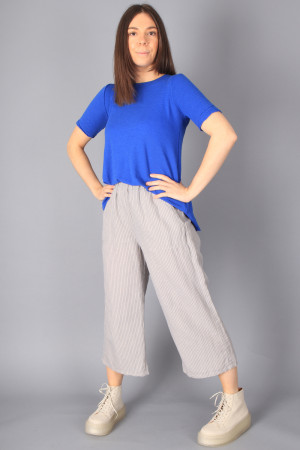 bb100051 - By Basics T-shirt @ Walkers.Style buy women's clothes online or at our Norwich shop.