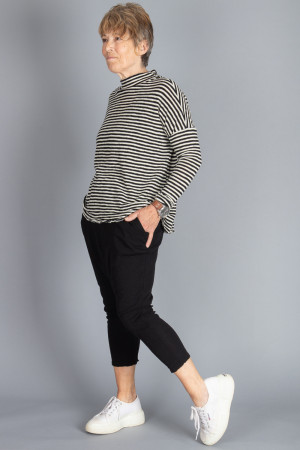 bb100052 - By Basics Wide Top @ Walkers.Style buy women's clothes online or at our Norwich shop.
