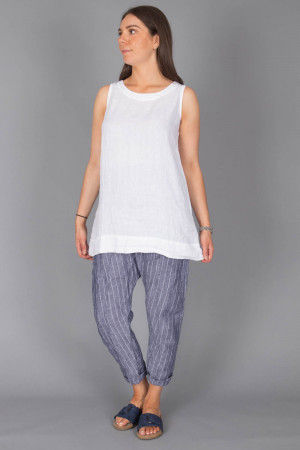 bb100076 - By Basics Linen Tunic @ Walkers.Style buy women's clothes online or at our Norwich shop.