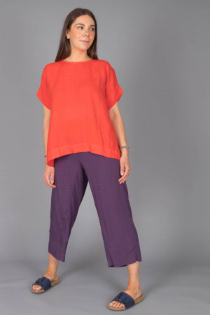 bb100078 - By Basics Linen Boxy Top @ Walkers.Style buy women's clothes online or at our Norwich shop.