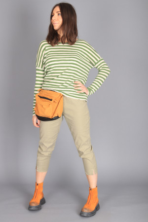cl105012 - Cut Loose Cropped Trouser @ Walkers.Style buy women's clothes online or at our Norwich shop.