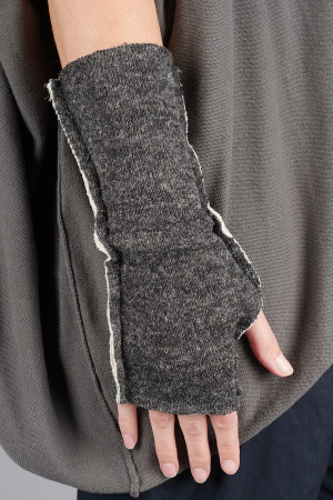 cl105027 - Cut Loose Fingerless Gloves @ Walkers.Style women's and ladies fashion clothing online shop