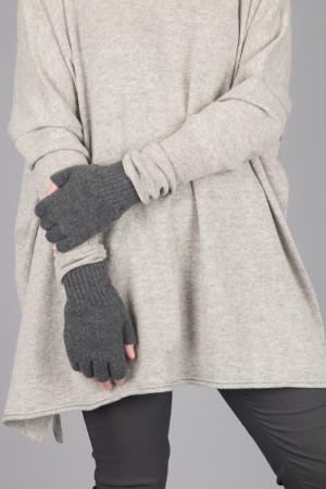cs105038 - Capra Studio Vio Fingerless Gloves @ Walkers.Style women's and ladies fashion clothing online shop