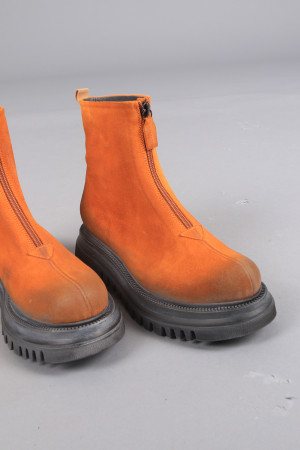 lf105044 - Lofina Suede Zip Boots @ Walkers.Style buy women's clothes online or at our Norwich shop.