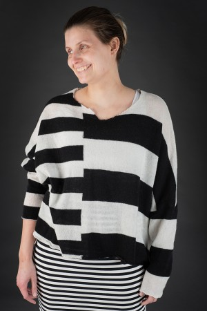 rh190137 - Rundholz Cashmere Sweater @ Walkers.Style buy women's clothes online or at our Norwich shop.
