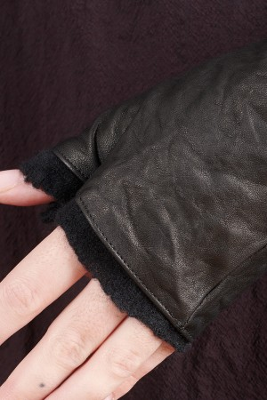 rh195019 - Rundholz DIP Gloves @ Walkers.Style buy women's clothes online or at our Norwich shop.