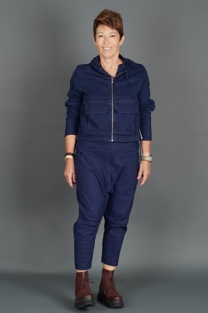 lb195167 - Lurdes Bergada Cropped Pocket Jacket @ Walkers.Style women's and ladies fashion clothing online shop