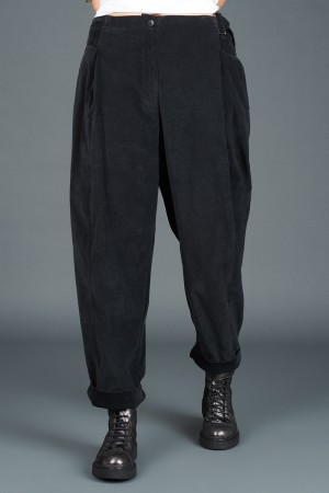 lb195176 - Lurdes Bergada Cropped Low Crotch Pants @ Walkers.Style buy women's clothes online or at our Norwich shop.