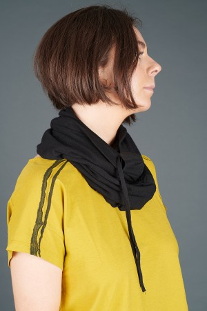 lb195187 - Lurdes Bergada Snood Neck Warmer @ Walkers.Style buy women's clothes online or at our Norwich shop.