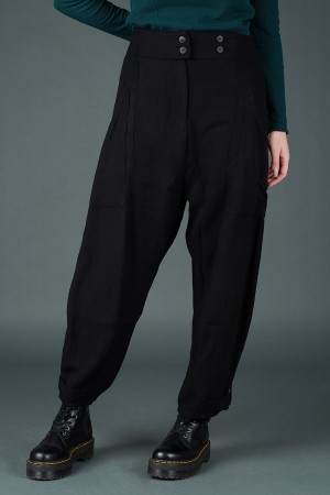 lb195199 - Lurdes Bergada Cargo Trousers @ Walkers.Style buy women's clothes online or at our Norwich shop.