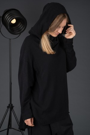sb195217 - StudioB3 Lyanga Oversized Jumper @ Walkers.Style buy women's clothes online or at our Norwich shop.