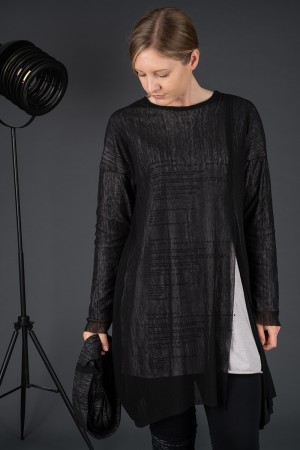 sb195224 - StudioB3 Neskia Tunic @ Walkers.Style buy women's clothes online or at our Norwich shop.