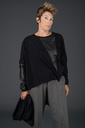 sb195225 - StudioB3 Yarra Tunic @ Walkers.Style buy women's clothes online or at our Norwich shop.