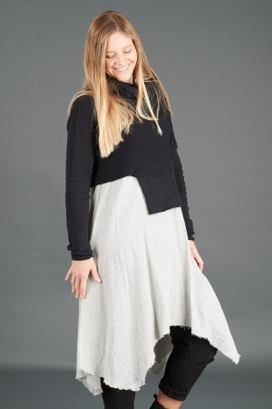 sb195228 - StudioB3 Katya Tunic @ Walkers.Style buy women's clothes online or at our Norwich shop.