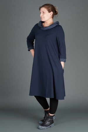 VT195261 - Vetono Dress with Collar @ Walkers.Style buy women's clothes online or at our Norwich shop.