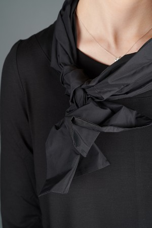 VT195263 - Vetono Scarf @ Walkers.Style buy women's clothes online or at our Norwich shop.
