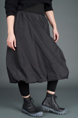 VT195264 - Vetono Skirt @ Walkers.Style buy women's clothes online or at our Norwich shop.