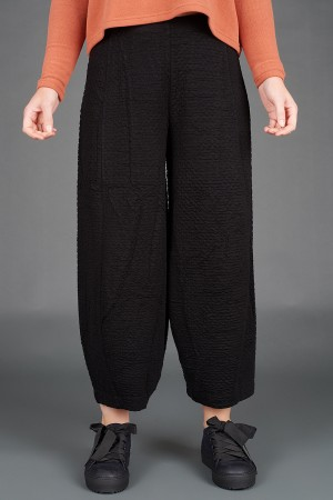 VT195265 - Vetono Trousers @ Walkers.Style buy women's clothes online or at our Norwich shop.