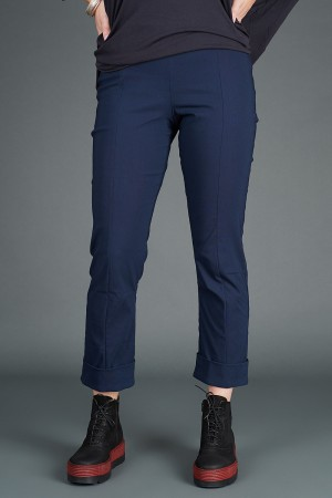 VT195266 - Vetono Trousers @ Walkers.Style buy women's clothes online or at our Norwich shop.