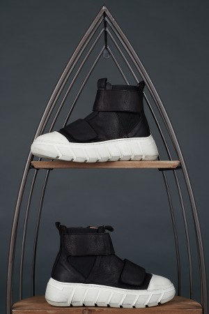 LF195272 - Lofina Trainer Boots @ Walkers.Style women's and ladies fashion clothing online shop