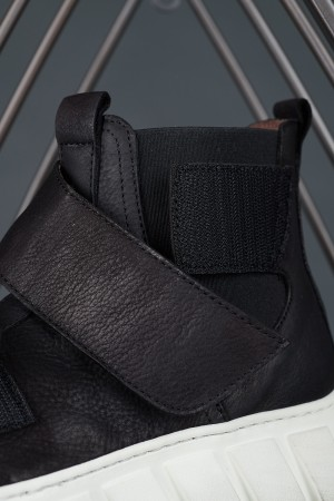 LF195272 - Lofina Trainer Boots @ Walkers.Style buy women's clothes online or at our Norwich shop.