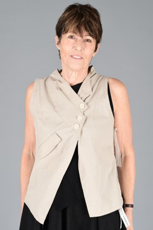 lb200009 - Lurdes Bergada Waistcoat @ Walkers.Style buy women's clothes online or at our Norwich shop.
