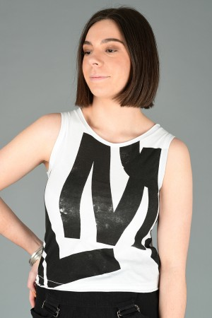 lb200017 - Lurdes Bergada Printed T-Shirt @ Walkers.Style buy women's clothes online or at our Norwich shop.