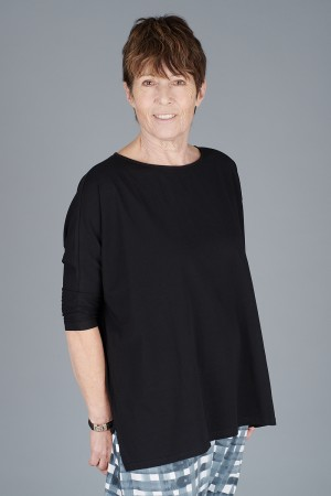 mb200051 - Mamab Reunion Top @ Walkers.Style buy women's clothes online or at our Norwich shop.