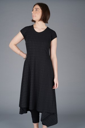 NR200071 - Nor Bold Dress @ Walkers.Style buy women's clothes online or at our Norwich shop.