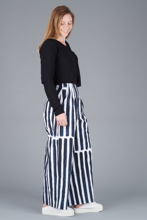 rh200197 - Rundholz Trousers @ Walkers.Style buy women's clothes online or at our Norwich shop.