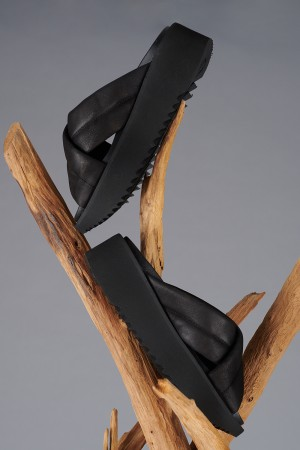 LF200270 - Lofina Platform Slide @ Walkers.Style buy women's clothes online or at our Norwich shop.