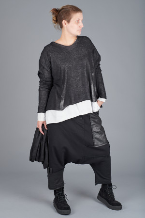 sb205105 - StudioB3 Dwaia Tunic @ Walkers.Style buy women's clothes online or at our Norwich shop.