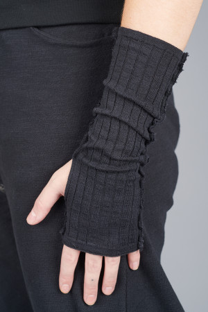 sb205116 - StudioB3 Dalim Gloves @ Walkers.Style buy women's clothes online or at our Norwich shop.