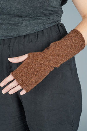 td205154 - Two Danes Yamuna Gloves @ Walkers.Style women's and ladies fashion clothing online shop