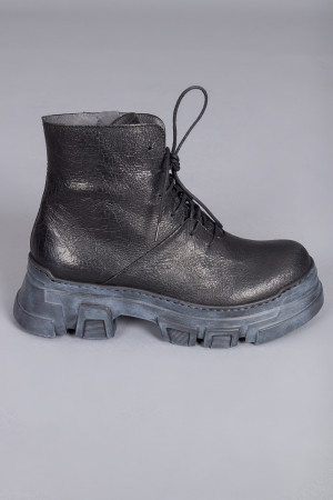 lf210024 - Lofina Crackled Black Boots @ Walkers.Style women's and ladies fashion clothing online shop