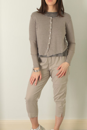 cl210198 - Cut Loose Crop Cardigan @ Walkers.Style buy women's clothes online or at our Norwich shop.