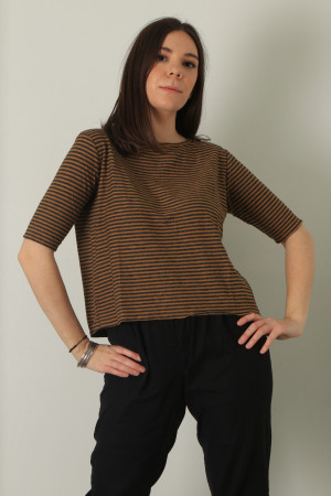 cl210202 - Cut Loose Elbow Sleeve Top @ Walkers.Style buy women's clothes online or at our Norwich shop.