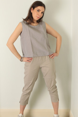 cl210207 - Cut Loose Sleeveless Top @ Walkers.Style buy women's clothes online or at our Norwich shop.