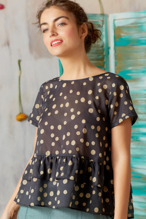 ll210248 - Lilith Flora Top @ Walkers.Style women's and ladies fashion clothing online shop
