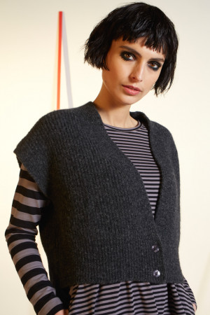 ll210264 - Lilith Gary Knitted Vest @ Walkers.Style women's and ladies fashion clothing online shop