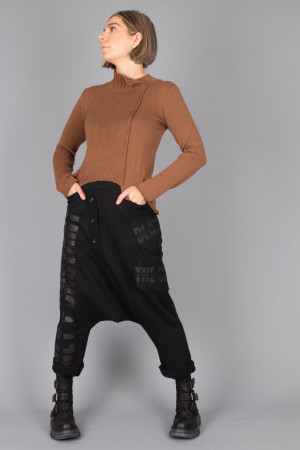 sb215013 - StudioB3 Halvee Sweater @ Walkers.Style buy women's clothes online or at our Norwich shop.