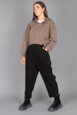 lb215044 - Lurdes Bergada Cropped Pants @ Walkers.Style buy women's clothes online or at our Norwich shop.