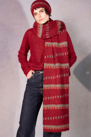 ll215076 - Lilith Jacquard Hamor Scarf @ Walkers.Style buy women's clothes online or at our Norwich shop.
