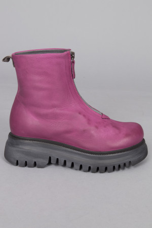 lf215089 - Lofina Ankle Zip Boots @ Walkers.Style women's and ladies fashion clothing online shop